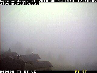 Bernhardseckhütte-Blick auf das Tal über Elbigenalp